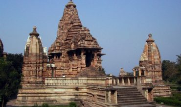 ARCHITECTURE OF HINDU TEMPLE
